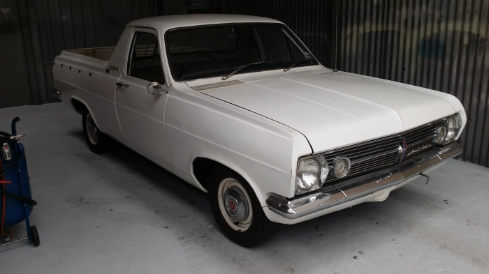 HR-Holden-Ute-rust-repairs-vehicle-restoration-auto-body-building-custom-fabrication-vintage-car-Farrace-restoration-A-Pillar-autoresto.com.au