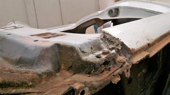 HR-Holden-Ute-rust-repairs-vehicle-restoration-auto-body-building-custom-fabrication-vintage-car-Farrace-restoration-A-Pillar-autoresto.com.au